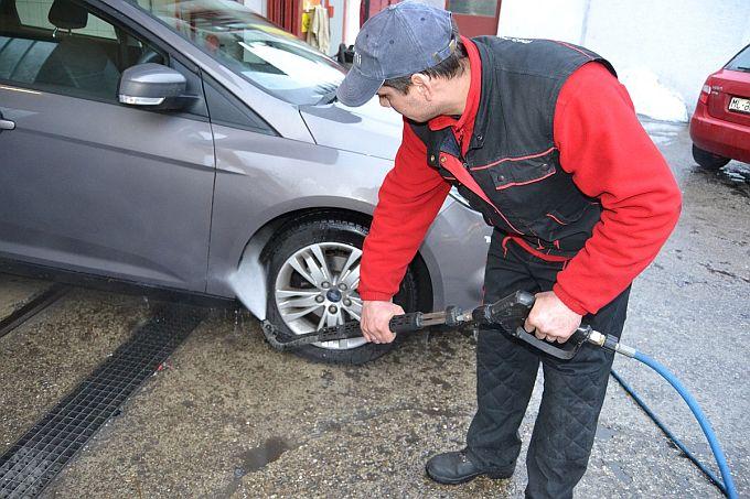 Koristan savjet: Prije prvih vrućina temeljito operite donji dio automobila