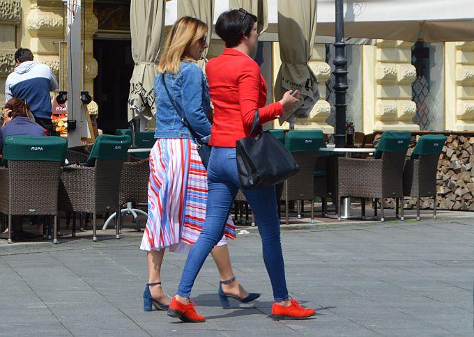 Plisirane lepršave suknje i ovog su proljeća nešto što Brođanke rado nose