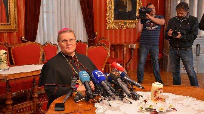 Uskrsna pastirska poruka i čestitka nadbiskupa Hranića