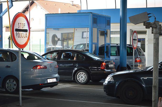 Gužve za ulazak u Hrvatsku na graničnom prijelazu u Slavonskom Brodu s krajem Uskrsnih blagdana