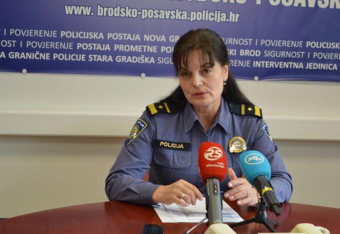 """Rijetko netko u Slavonskom Brodu """"šmrče"""" pred policijom, ali i to se dogodilo, no to je samo bio početak """"frke"""" koja je nastala nakon toga u centru grada"""