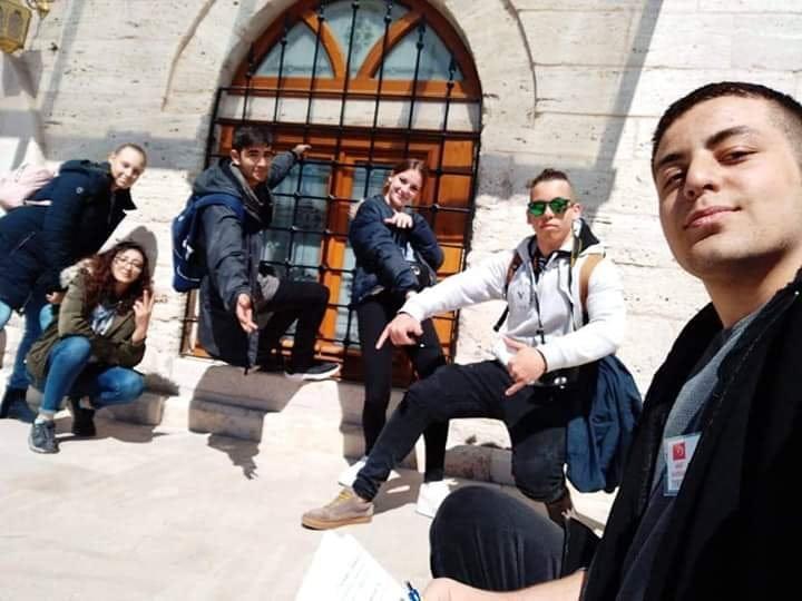 Učenici i profesori Srednje škole Matija Antun Reljković boravili su u Istanbulu i u Sivasu, učenje i razmijena iskustava u sklopu Erasmus + projekta