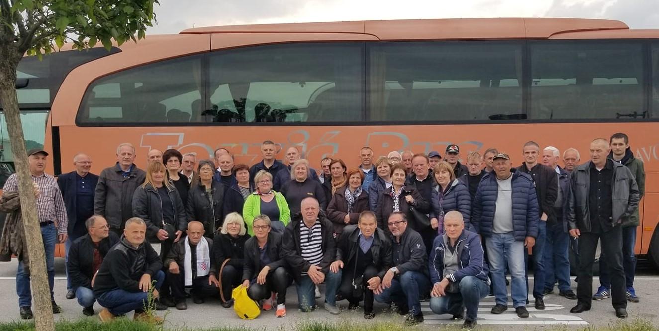 Među petnaestak tisuća hodočasnika u Bleiburgu jučer i Brođani