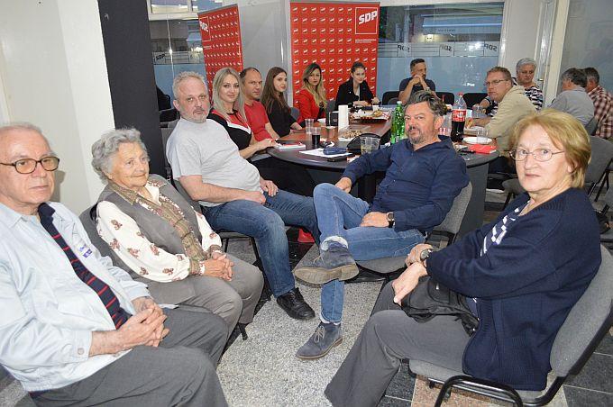 U županijskom stožeru SDP-a predsjednica Marina Opačak Bilić zadovoljna postignutim rezultatom