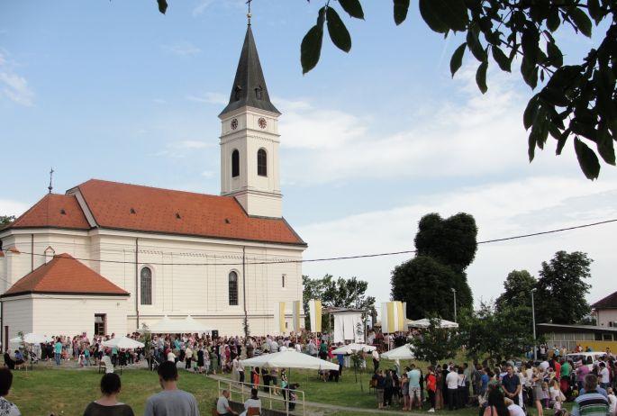 Danas u Podvinju završava trodnevna duhovna priprava uoči blagdana nebeskog zaštitnika, svetog Antuna Padovanskog