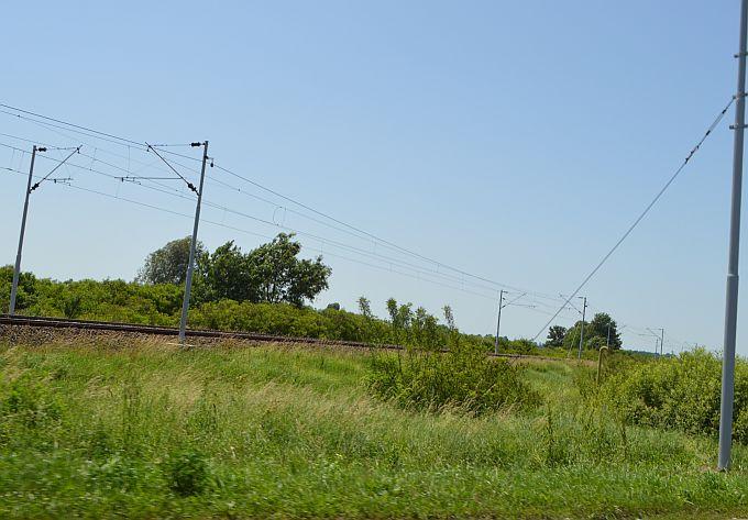 U Donjim Andrijevcima teretni vlak naletio na automobil, 18-godišnji vozač teško je ozlijeđen