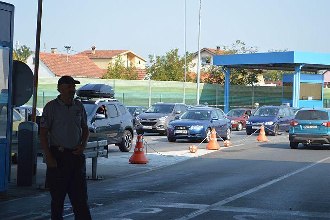 Gužva na granici i danas, izbjegavajte ovih dana odlazak u Bosnu autom