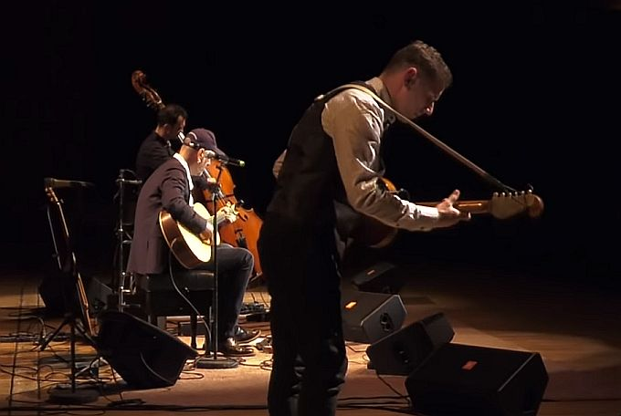 Nastup vrhunskih instrumentalista u Slavonskom Brodu, Hojsak i Novosel i njihov gost, makedonski virtuoz na gitari, Vlatko Stefanovski