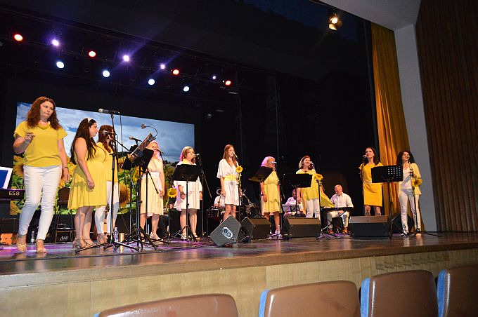 Od tradicionalnih do popularnih skladbi, Ad astra koncertom proslavila deseti rođendan