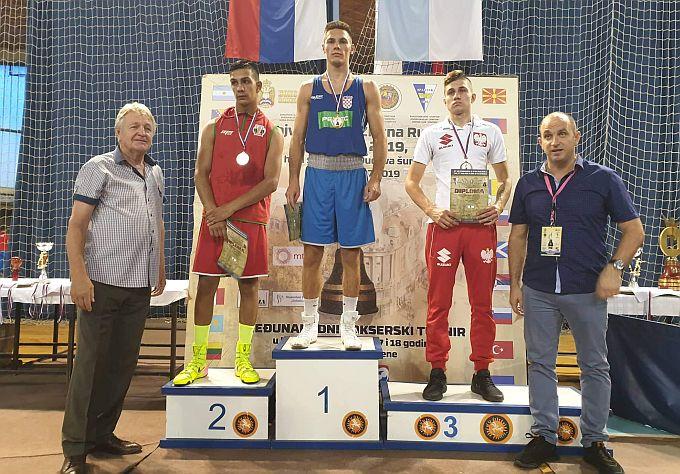 Gabrijel Veočić u finalnoj borbi pobijedio je Bugarina Nikolaya Zafirova i osvojio međunarodni turnir u Vojvodini
