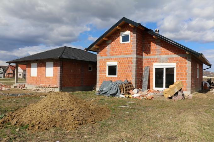 Ako ste mladi ili imate do 45 godina i želite graditi kuću u Slavonskom Brodu imate priliku, izašao je natječaj