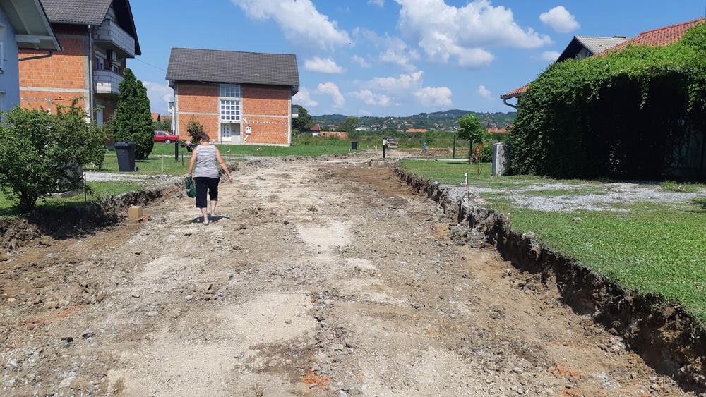 Nastavljaju se radovi na izgradnji cesta u gradu, na redu je Lička ulica
