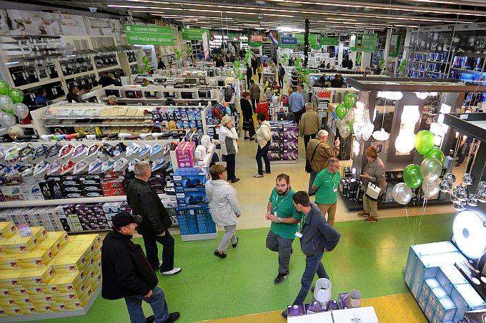 Pevec najavio otvaranje novog trgovačkog centra u Slavonskom Brodu, u Svačićevoj ulici