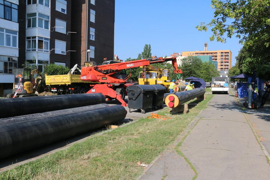 Od četvrtka stanovnici Naselja Slavonija II neće imati tople vode četiri tjedna zbog radova na projektu zamjene dotrajalih toplovoda