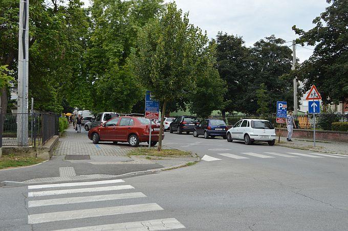 """""""Frajer"""" u bijelom sportskom """"nabrijanom"""" audiju, švicarskih tablica, danas je srušio ženu s bicikla kod vrtića Trnoružica i pobjegao, no čini se da to nije sve"""