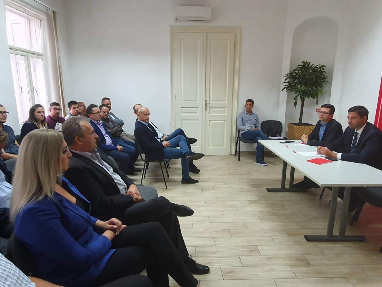 """Marina Opčak Bilić u Osijeku na tematskoj sjednici, SDP programom """"Slavonija 2030.""""  Slavoniju želi učiniti uspješnom i bogatom"""
