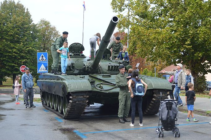 Obilježavanje Dana branitelja Brodsko- posavske županije započinje u petak, tijekom vikenda brojni programi, ne propustite izložbu vojne opreme, bit će zanimljivo