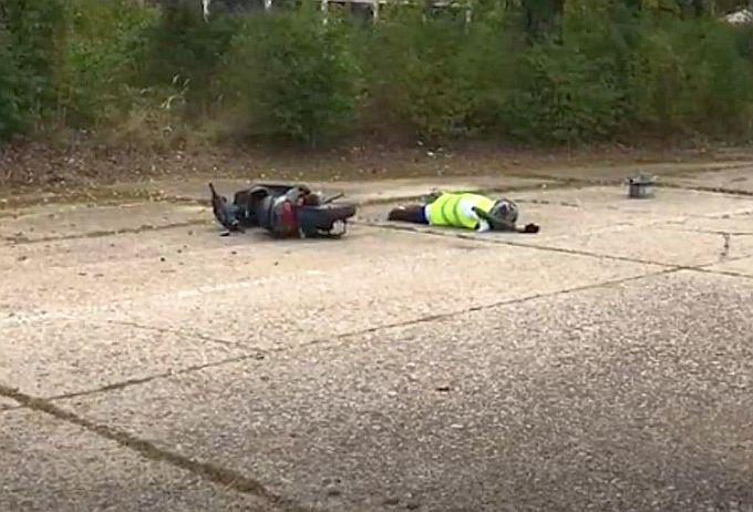 Pogledajte crash test: Sudar automobila i motocikla, zlo se dogodi i pri manjim brzinama