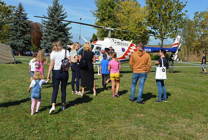 Helikopteri u Slavonskom Brodu bili su senzacija, s jednim je iz Zadra doletjeo i Brođanin Robert Matok