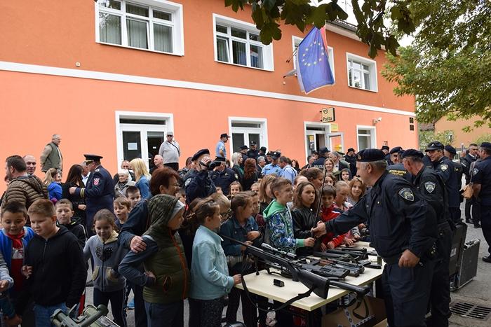 U Oriovcu danas svečano, obilježen Dan policije