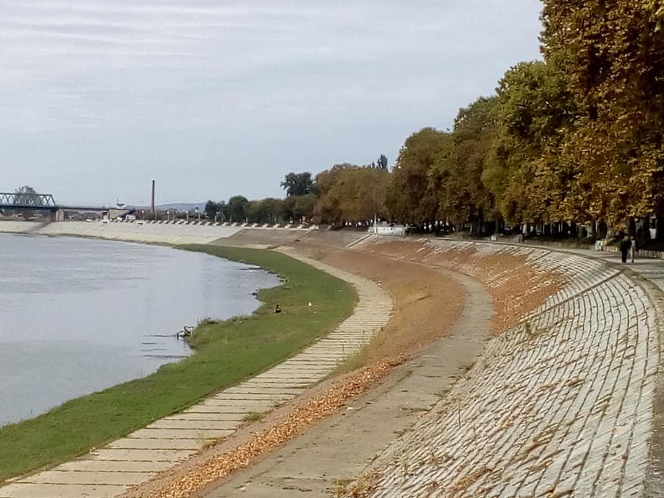 Petak će biti sunačno ali svježe, jutarnja temperatura u Slavonskom Brodu samo 2,8°C, hladnije samo na Biokovu i Zavižanu