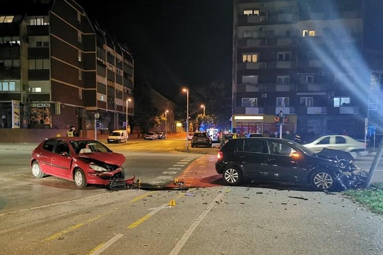 Mladi vozači u prometnoj nesreći, ozlijeđene dvije djevojke