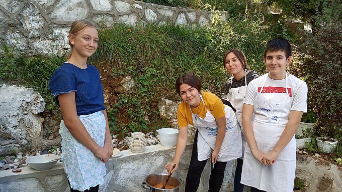 Učenici i nastavnici OŠ Huge Badalića vratili su se iz Turske, gdje su, između ostalog, predstavili našu nacionalnu kuhinju i proizvode hrvatske prehrambene industrije