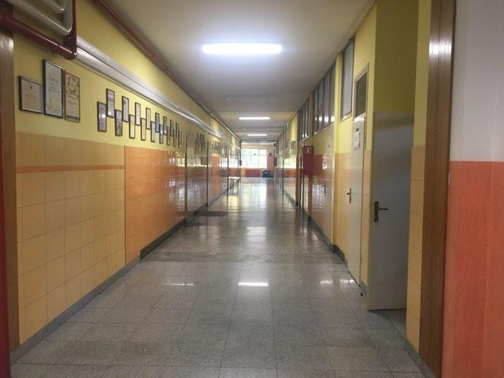 Dogovora još nema, štrajk u školama se nastavlja, najavljuju ga i fakulteti, ministrica Divjak pak najavljuje izvanredne izbore ako se ne pronađe rješenje za prosvjetare