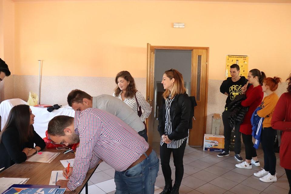 O mjerama, pravima i poticajima za samozapošljavanje i zapošljavanje mladih kao i njihovom osnaživanju više na konferenciji u Sikirevcima
