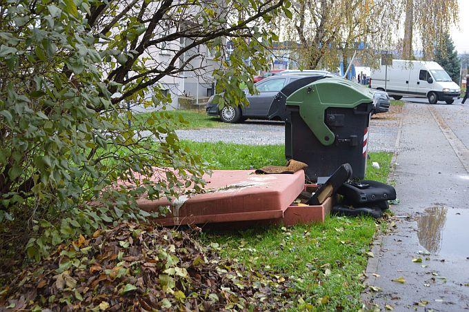 Tko izbaci glomazni otpad na ulicu dobit će kaznu, Komunalac poslao obavijest građanima
