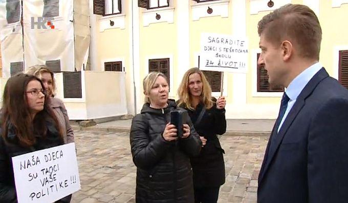 Marić s majkama iz Slavonskog Broda