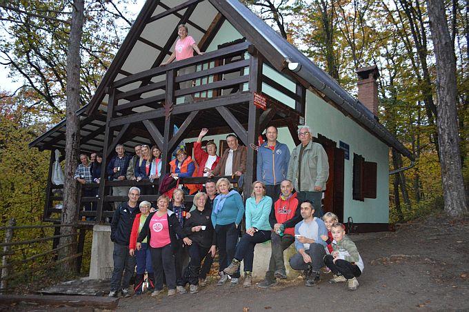 """Planinari proslavili obnovu """"Pljuskare"""", nakon 20 godina kućica izgleda kao nova"""