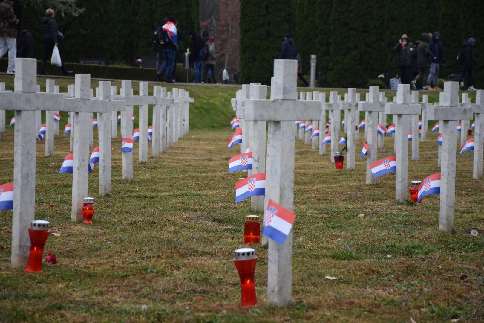 Cijela Hrvatska u ponedjeljak se prisjeća pada Vukovara, 28 godina prošlo je od najtužnijeg dana naše novije povijesti