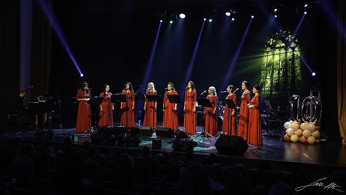Svojim vokalnim umijećem članice Ad astre odvele publiku u čarobni svijet glazbe