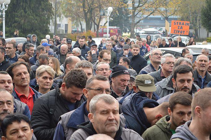 Ministar Horvat kazao da postoji izvor financiranja za još jednu plaću radnicima Đure  Đakovića te da tvrtka ima perspektivu