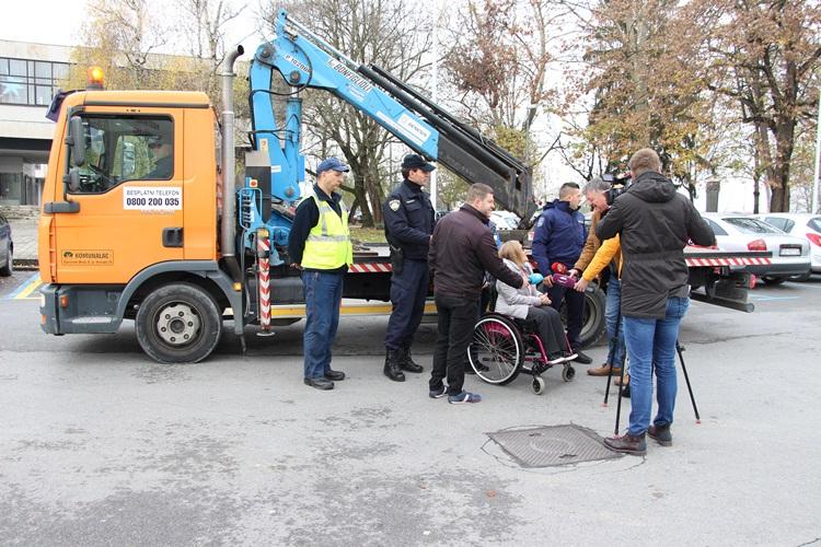 Unatoč upozorenjima 18 Brođana ipak je parkiralo na mjesta predviđena za osobe s invaliditetom