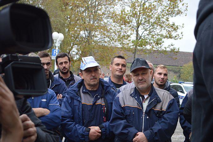 Đuro je i dalje na koljenima, plaće još nema, radnici su i dalje u štrajku