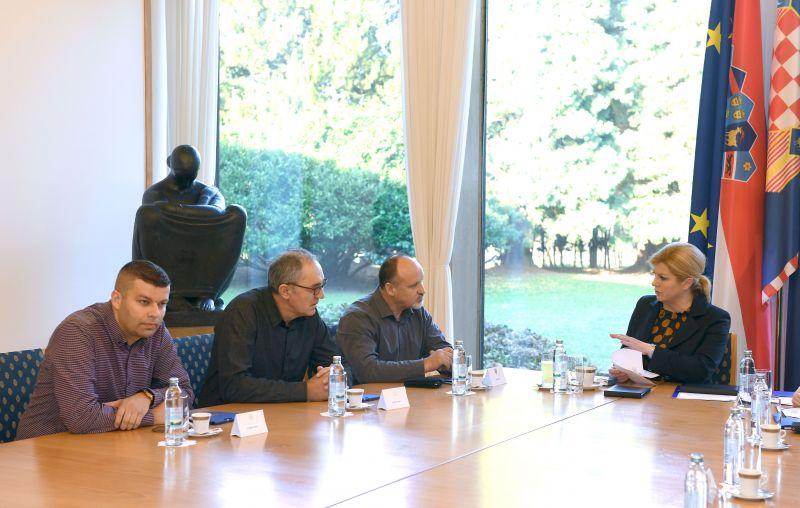Predsjednica Republike primila izaslanstvo radnika i branitelja zaposlenih u tvrtki Đuro Đaković Specijalna vozila d.d.