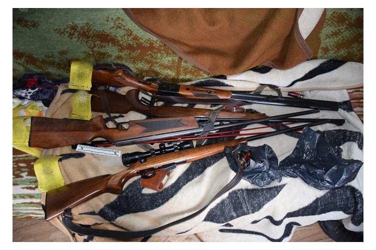 U kući policija pronašla oružje i streljivo, i još otuđeno