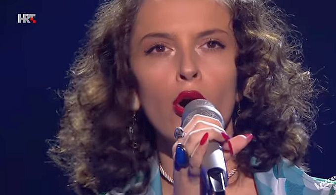 Naša Brođanka Bernarda Bobovečki u showu The Voice of Croatia