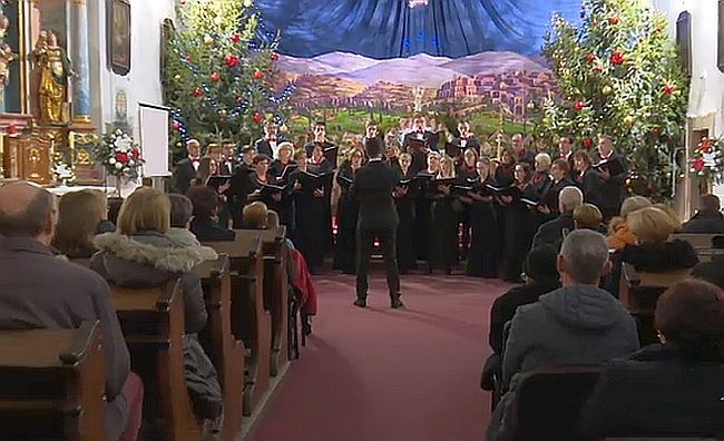 "Blagdansko ozračje uz tradicionalni Božićni koncert HPD ""Davor"""