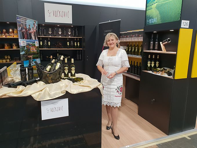 Brodsko-posavsku županiju u Berlinu predstavljali OPG Vučković iz Oriovca s vinima i OPG Šarčević iz Sikirevaca s lješnjacima