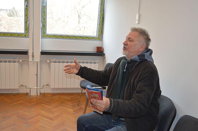 Je li u pitanju satira ili vrijeđanje i omalovažavanje Ružice Bobovečki i Sanje Vulete odličit će sud, tuženi, Veljko Lukić danas odustao od dokaznih materijala, Schwendemann nije došao na ročište