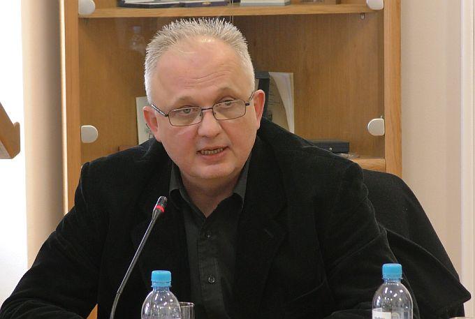 Robert Lujić predlaže da se gradski i županijski vijećnici odreknu svojih naknada za potrebite građane do kraja mandata