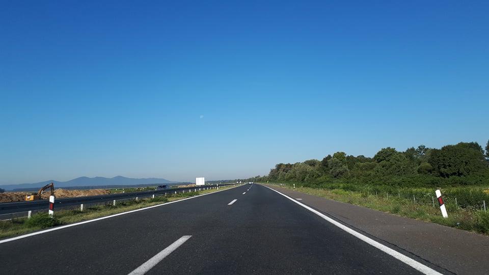 Vozilo u kvaru na autocesti A3 između čvora Velika Kopanica i čvora Babina Greda u smjeru Lipovca