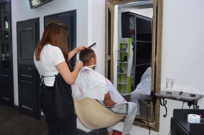 Nakon (pre)duge pauze, omiljeni frizerski saloni danas su otvorili svoja vrata