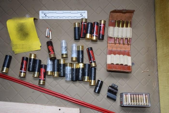 Nedozvoljeno posjedovao oružje: 60-godišnjaku oduzeta dva pištolja i više desetaka raznog streljiva