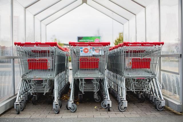 Pokazalo istraživanje: Iako podupiru zabranu rada nedjeljom, koncem tjedna je u kupovinu odlazilo čak dvije trećine građana