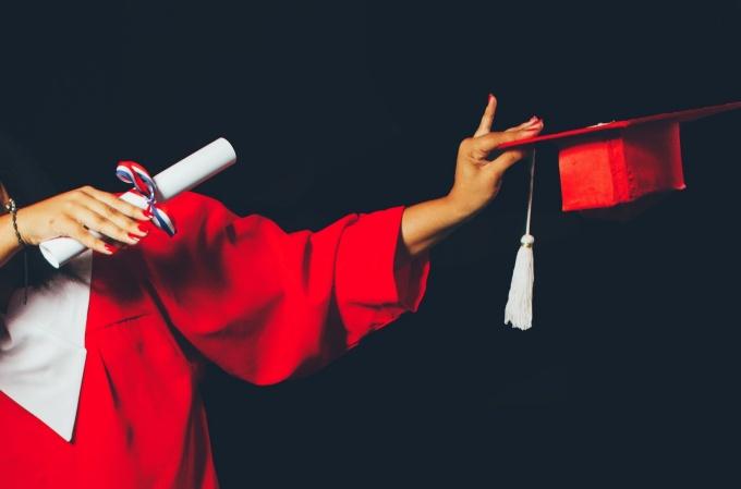 Ministarstvo objavilo koliko je lažnih svjedodžbi i diploma otkriveno kod zaposlenika škola