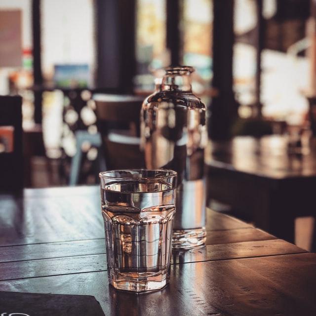 Što se dogodi u tijelu ako popijete samo jednu čašu vode dnevno?